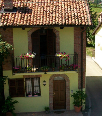 Bed and Breakfast Tra Monti e Vigne Langhe